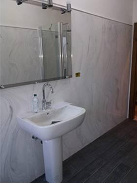 Marmoresina, lastra da interno bagno effetto marmo