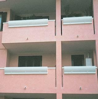 Fioriere da balcone con incavo in Marmoresina